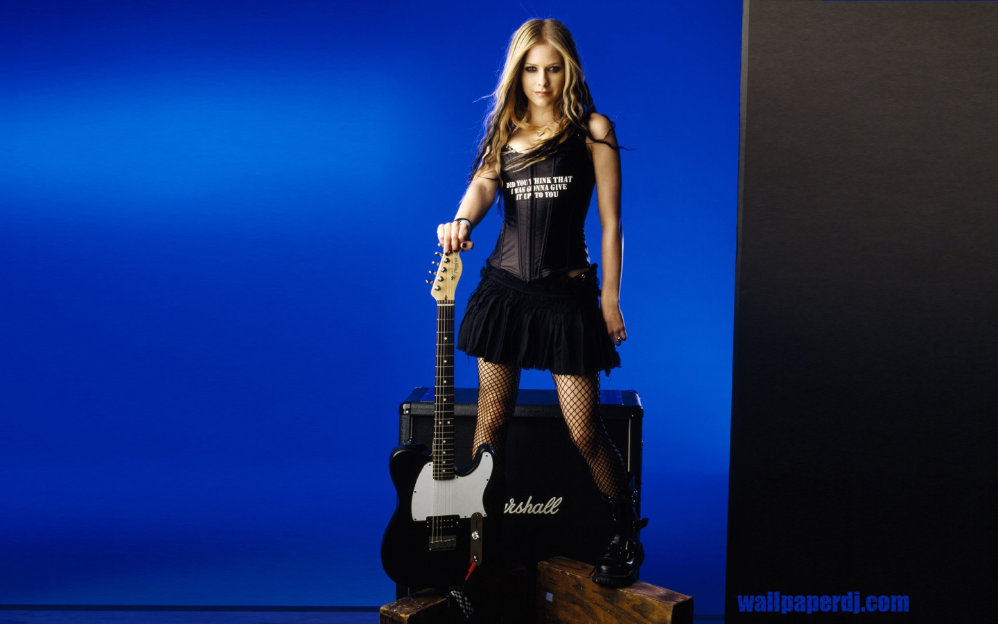 1440x900 Avril Lavigne Wallpaper Music And Dance Wallpapers