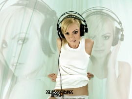 Alexandra Stan (click to view)