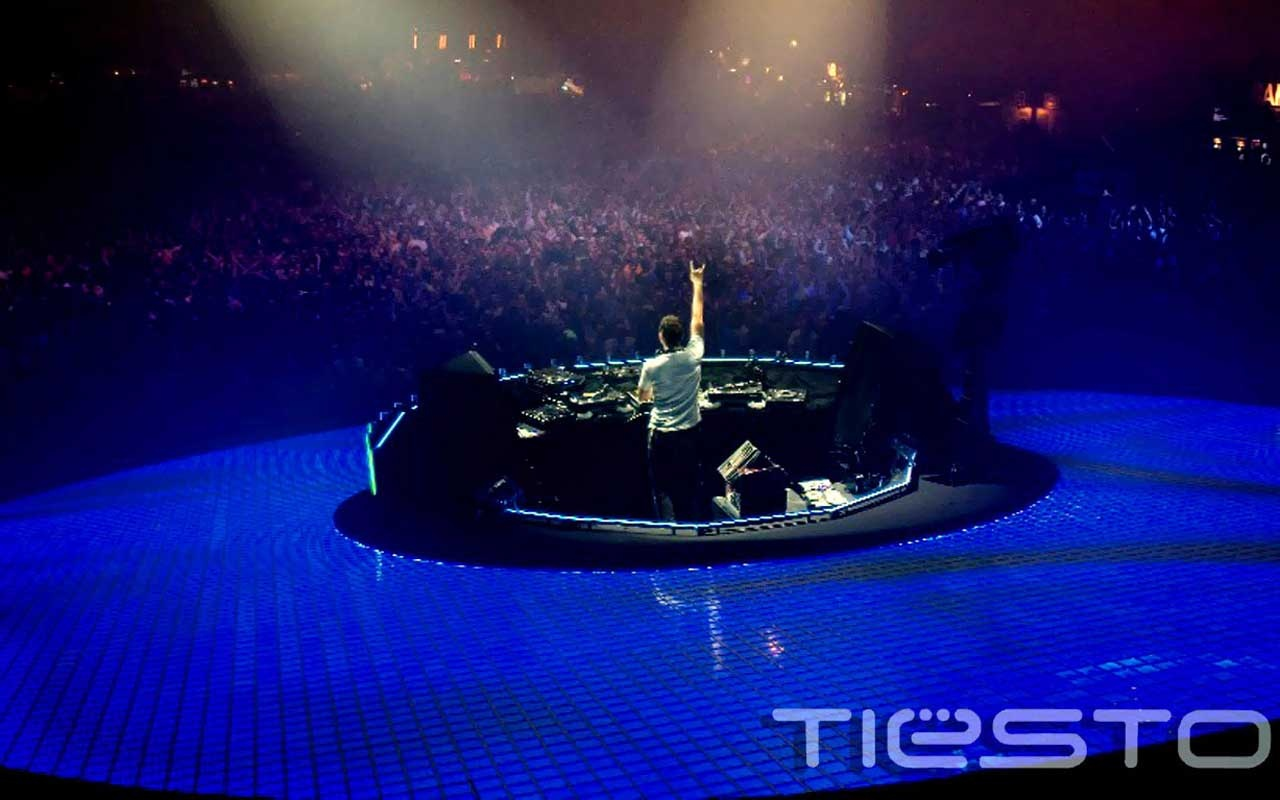 Dj tiesto in concert club life at gelredome arena desktop wallpaper